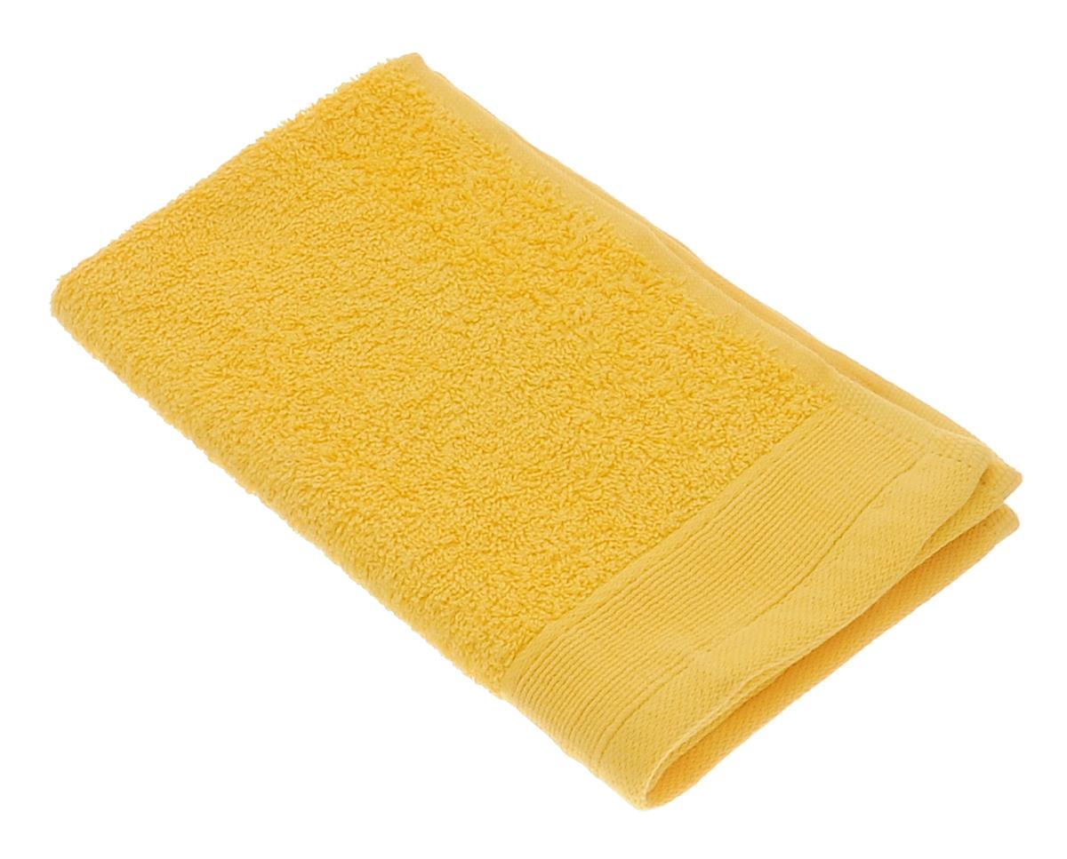 Полотенце махровое Guten Morgen, цвет: желтый, 30 см х 50 смПМж-30-50Махровое полотенце Guten Morgen, изготовленное из натурального хлопка, прекрасно впитывает влагу и быстро сохнет. Высокая плотность ткани делает полотенце мягкими, прочными и пушистыми. При соблюдении рекомендаций по уходу изделие сохраняет яркость цвета и не теряет форму даже после многократных стирок. Махровое полотенце Guten Morgen станет достойным выбором для вас и приятным подарком для ваших близких. Мягкость и высокое качество материала, из которого изготовлено полотенце, не оставит вас равнодушными.