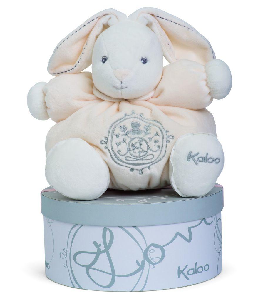 Kaloo Мягкая игрушка Заяц средний Жемчуг цвет кремовыйK962147Очаровательный мягкий зайчонок нежного кремового цвета от французского производителя высококачественных игрушек для детей Kaloo привлечет внимание малыша и надолго станет его постоянным спутником и любимой игрушкой. Игрушка Kaloo выполнена из качественных, безопасных для здоровья детей материалов, которые не вызывают аллергии, приятны на ощупь и доставляют большое удовольствие во время игр. Игрушку приятно держать в руках, прижимать к себе и придумывать разнообразные игры. Игры с мягкими игрушками развивают тактильную чувствительность и сенсорное восприятие. Все игрушки Калу прошли множественные тесты и соответствуют мировым стандартам безопасности. Именно поэтому все игрушки Калу рекомендованы для детей с рождения, что отличает их от большинства производителей мягких игрушек. Игрушка продается в стильной твердой коробке и идеально подходит в качестве подарка.