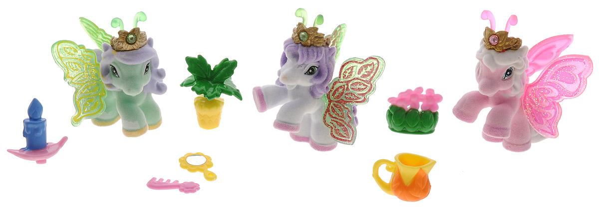 Filly Игровой набор Filly Бабочки с блестками цвет зеленый розовый белыйM770139-3850_зеленый, розовый, белыйИгровой набор Filly Бабочки с блестками придется по вкусу вашей дочурке, ведь все девочки обожают волшебных лошадок Filly! Набор включает в себя 3 фигурки очаровательных крылатых лошадок-бабочек и 6 ярких аксессуаров. Также в набор входят 3 карточки героев. Фигурки выполнены из прочного пластика и покрыта мягким флоком. У лошадки есть яркие полупрозрачные крылья, оформленные множеством сверкающих блесток. На крылышках каждой лошадки-бабочки изображен герб семейства, к которому они принадлежат. Лошадки-бабочки Filly живут в прекрасном саду посреди волшебного леса Папиллия. Помимо крылышек бабочки, от обычных лошадок Филли отличаются также небольшими антеннами и короной со сверкающим кристаллом Swarovski на голове. Ваша дочурка с удовольствием будет играть с этим набором и устраивать настоящие волшебные приключения в мире лошадок-бабочек Filly. Фигурки очаровательных лошадок станут любимыми игрушками вашей малышки и займут достойное место в ее личной коллекции.
