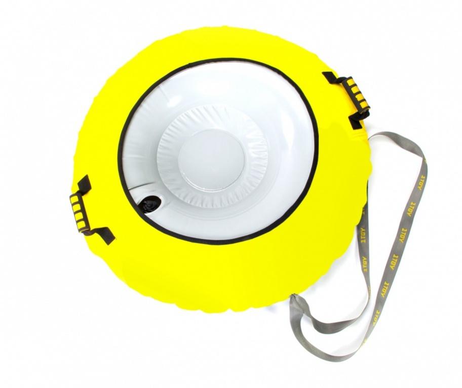 Тюбинг Bradex надувной с защитным чехлом, 90 см, SF 0097SF 0097Обожаете кататься с горок на тюбинге, но боитесь порвать его о выступ или проколоть веткой? Надувной тюбинг с защитным чехлом прослужит в несколько раз дольше, ведь он: • оборудован надежным чехлом из крепкой, высококачественной ткани; • выполнен из плотного ПВХ-материала; • имеет покрытое толстым слоем винила дно для лучшего скольжения и дополнительной защиты. Обезопасьте свой тюбинг от ударов, неровностей, царапин и случайных «травм»! Спускайтесь на нем со снежных склонов, плавайте с ним в бассейне. А можете прикрепить его за специальную петлю буксировочным тросом к катеру и отправиться в экстремальный тур по реке! Такая полезная вещь не займет много места в дороге, ведь в спущенном виде всё без труда помещается в небольшую сумку или рюкзак. Надувной тюбинг с защитным чехлом – лучший подарок любителю активного отдыха!