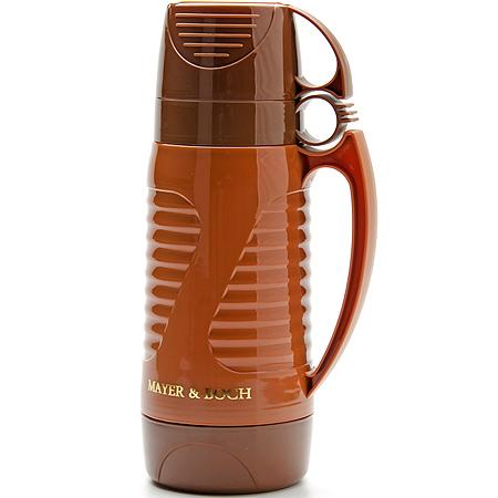 24908 Термос 1л ст/колба + 2чашки МВ (х12)24908Термос с 2 чашками Объем: 1л Материал: пластик, стекло Цвет:каричневый Размер упаковки: 15 х11,5 х 31,5 см Вес: 690 г Традиционнный термос со стеклянной колбой в пластиковом корпусе является одним из востребованных в России. Его температурная характеристика ни в чем не уступает термосам со стальными колбами, но благодаря свойствам стекла, этот термос может быть использован для заваривания напитков с устойчивыми ароматами. Очень удобная ручка и 2 чашки в комплекте. Завинчивающаяся герметичная крышка предохранит от проливаний. Температура сохраняется до 24 часов! Этот термос станет не только надежным другом, но и отличным украшением Вашей кухни.