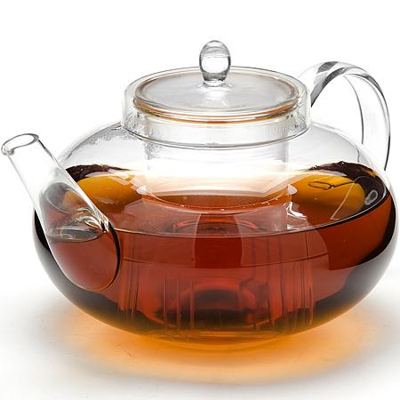 24941 Заварочный чайник стекло 1,4л с/кр МВ (х12)24941Заварочный чайник стекло Материал: боросиликатное стекло Объем: 1,4 л. Размер упаковки: 20 см х 17,5 см х 16,5 см. Вес: 670 г Заварочный чайник Mayer & Boch изготовлен из термостойкого боросиликатного стекла - прочного износостойкого материала. Чайник оснащен фильтром и крышкой из стекло.Простой и удобный чайник поможет вам приготовить крепкий, ароматный чай. Дизайн изделия создает гипнотическую атмосферу через сочетание полупрозрачного цвета и хромированных элементов. Можно мыть в посудомоечной машине. Не использовать в микроволновой печи.
