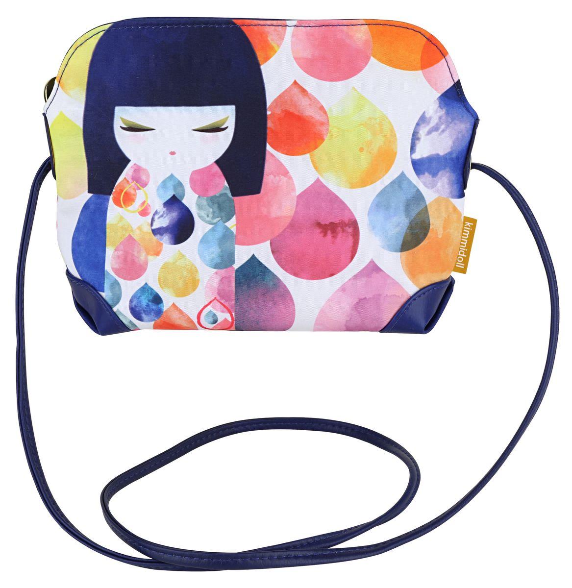 Сумочка Kimmidoll Михоко (Творчество). KF0999KF0999Очаровательная сумочка на плечо Kimmidoll Михоко (Творчество), выполненная из текстиля в традиционном японском стиле, придется по душе всем ценителям стильных вещиц. Лицевая сторона изделия оформлена изображением Михоко и цветных капель и содержит одно отделение, закрывающееся на застежку-молнию. Бегунок оформлен металлической пластиной с гравировкой Kimmidoll Collection. Сумка оснащена длинным ремешком, позволяющим ее носить как на плече, так и через плечо. Стильная сумочка пригодится вам и в путешествии, и на пикнике, и в повседневном использовании. Привет, меня зовут Михоко!Я талисман творчества. Мой дух вдохновляет и указывает путь. Давая разуму безграничную свободу исследовать и познавать, вы раскрываете бесконечную силу моего духа. Пусть ваша фантазия всегда вдохновляет вас на новые взгляды, новые поступки и отношение к жизни.