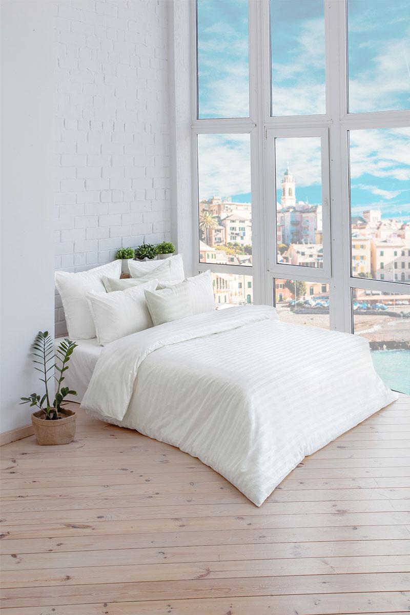 Комплект постельного белья Белые ночи (белый) сатин, 205ТС, 100% хлопок, 1,5х00000004545Концепция удобства 1. Экономия времени и сил. Благодаря наличию в верхней части пододияльника специальных клапанов для рук заправить одеяло можно в 3 раза быстрее. 2. Удобство использования и экономия. Наволочка-трансформер: благодаря особой модели пошива и наличию специальных декоративных кнопок наволочка размером 70х70 см с легкостью трансформируется в наволочку 50х70 см- больше не нужно переплачивать за неиспользуемые размеры наволочек. Плотность плетения ткани: 130 +- 5 гр/м2
