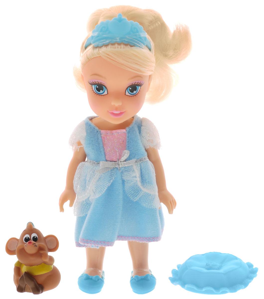 Disney Princess Мини-кукла Petite Cinderella and Gus754910_золушкаМини-кукла Disney Princess Petite Cinderella and Gus придется по душе вашей маленькой принцессе. Набор состоит из куколки в виде малышки Золушки, фигурки в виде ее друга мышонка Гаса и подушки. Этот мышонок очень веселый и смелый, у него немного непонятный говор. Гас помог украсить платье для Золушки вместе со своим другом Жаком. Ваша малышка с удовольствием будет играть с набором, придумывая различные истории и проигрывая сюжеты из мультфильма.
