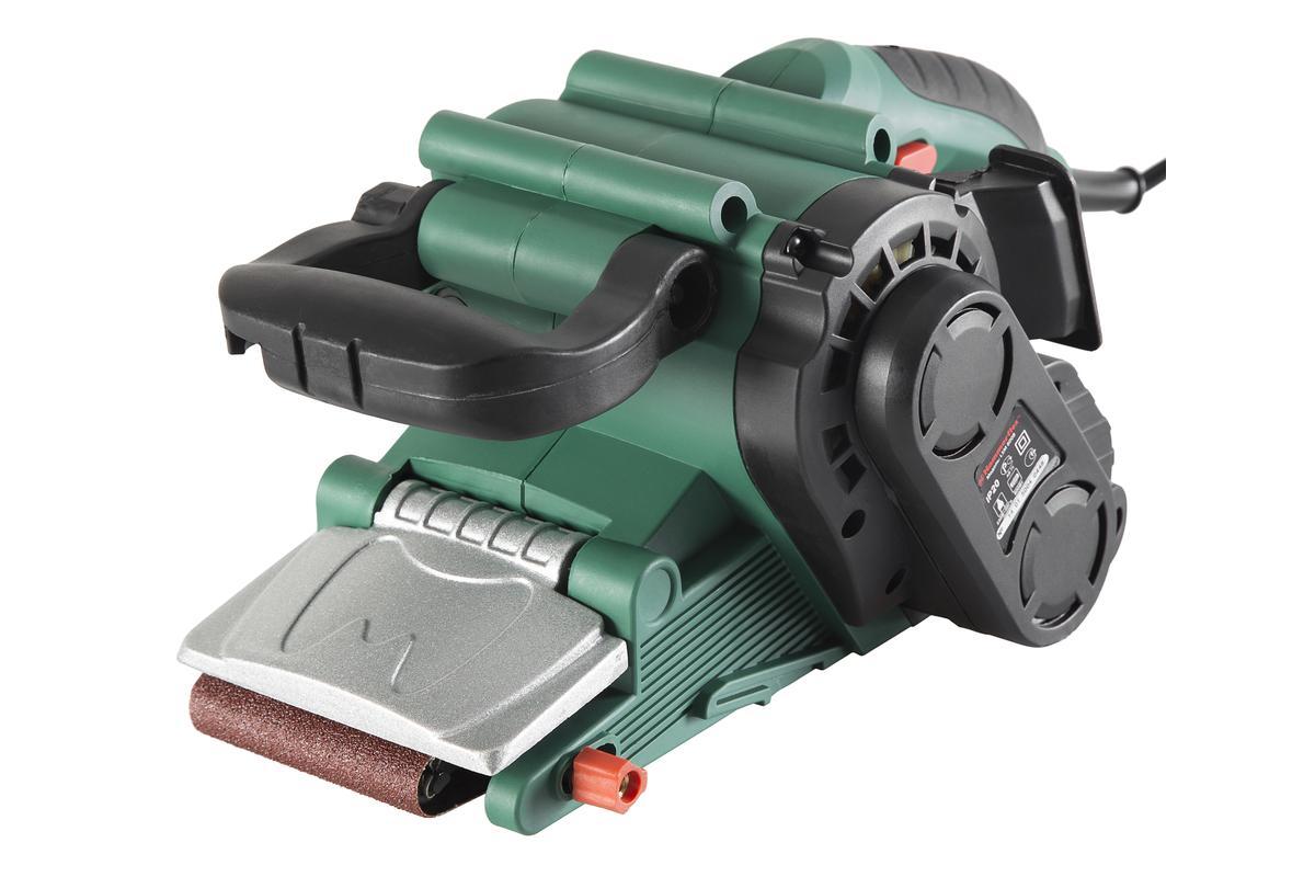 Шлиф.машинка ленточная Hammer Flex LSM800B158564Мощность 800 Вт в и размер ленты 457*75 мм позволяют эффективно проводить шлифовальные работы с деревянным брусом, ДВП, ДСП, фанерой, лаком и краской. Электронная регулировка оборотов в диапазоне 120-290 м/мин позволяет точно настроить инструмент в зависимости от требований к поверхности. Ленточная шлифмашина предназначена для шлифования больших объемов поверхностей, таких, как полы или стены. Использование шлифбумаги различной зернистости позволяет добиться необходимого качества обработки. LSM800B может использоваться совместно с промышленным пылесосом. ПРЕИМУЩЕСТВА: - Эргономичный корпус и удобная система замены шлифовальной бумаги с помощью рычага, придает комфорт и удобство в эксплуатации инструмента. - Система пылеудаления и пылесборный мешок сохранят чистоту на рабочем месте. - Возможность фиксации кнопки пуска особенно удобна при длительном режиме эксплуатации. - Особое удобство при обработке труднодоступных мест достигается за...