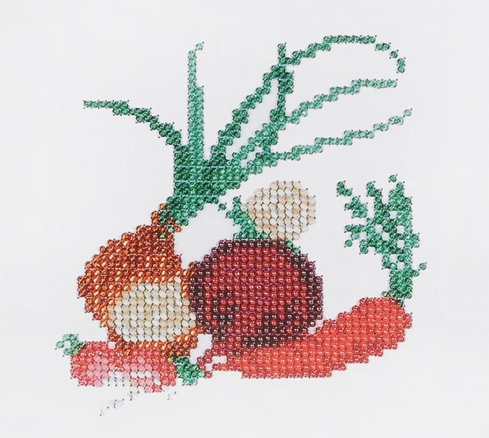 Набор для вышивания бисером Бисеринка Овощи, 12 см х 11 см580553Набор для вышивания Бисеринка Овощи поможет вам создать свой личный шедевр - красивую картину, вышитую бисером на канве. Вышивание отвлечет вас от повседневных забот и превратится в увлекательное занятие! Работа, сделанная своими руками, создаст особый уют и атмосферу в доме и долгие годы будет радовать вас и ваших близких, а подарок, выполненный собственноручно, станет самым ценным для друзей и знакомых. Набор содержит: - бисер Preciosa Ornela (Чехия), - ткань (габардин) с нанесенным цветным рисунком-схемой, - игла, - инструкция на русском языке.