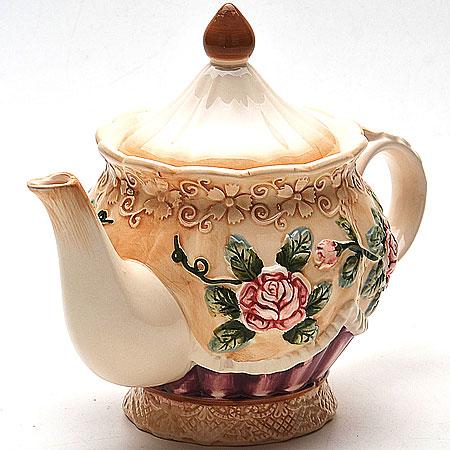 22435 Заварочный чайник 900мл с/кр РОЗЫ МВ (х12)22435Заварочный чайник Объем: 900мл Материал (корпус,крышка): доломит Цветной объемный рисунок Размер упаковки: 21,6х15,3х13,7см Вес: 620г