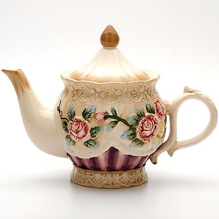 22445 Заварочный чайник 900мл с/кр РОЗЫ МВ (х12)22445Заварочный чайник Объем: 900мл Материал: доломит Цветное покрытие: голубой, розовый Размер упаковки: 21,6х15,3х13,7см Вес: 660г