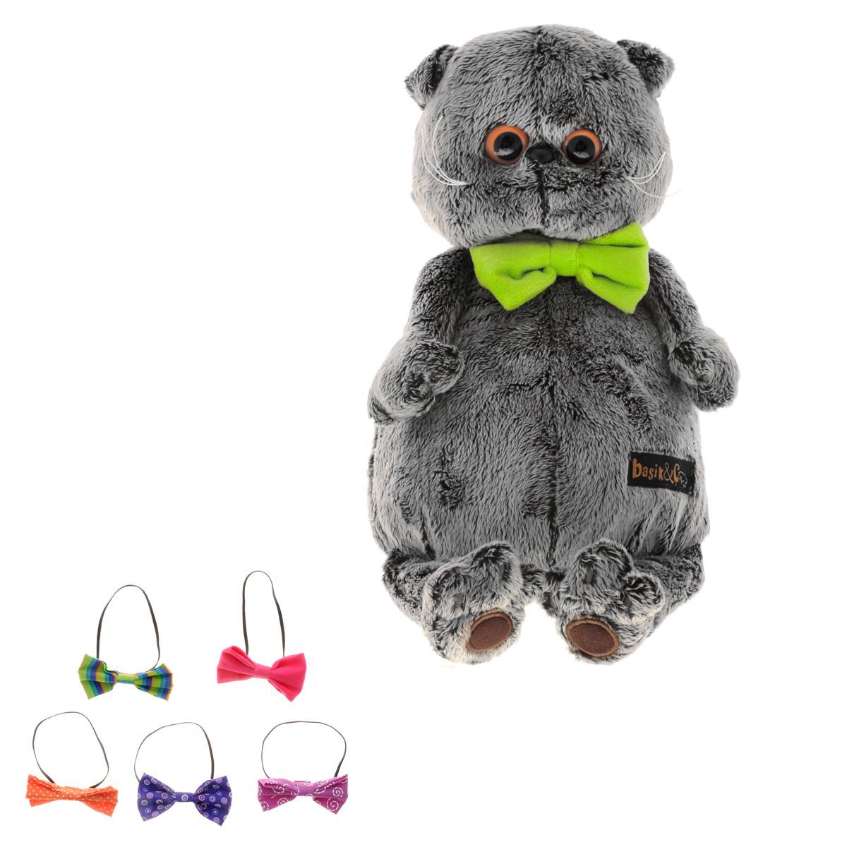 Мягкая игрушка Басик с набором галстуков 30 смKs30-32Мягкая игрушка Басик с набором галстуков подарит малышу немало прекрасных мгновений. Дети очень трепетно относятся к домашним животным, особенно они любят котов и собак и часто просят своих родителей приобрести им такого друга. Однако домашние питомцы не всегда хорошо влияют на детей - они могут поцарапать и даже вызвать аллергическую реакцию, поэтому приходят на помощь мягкие игрушки, очень похожие на настоящих питомцев. С этим шотландским вислоухим котиком можно играть, отдыхать и засыпать в обнимку, рассказывая свои секреты. У него густая плюшевая шерстка, которую так приятно гладить. У Басика круглые медовые глазки, маленькие ушки и черный носик. Басик с набором оригинальных галстуков-бабочек из материалов ярких насыщенных цветов. Сам Басик в объемном галстуке-бабочке из бархата горохового цвета. Мягкие игрушки очень полезны для малышей, потому что весьма позитивно влияют на детскую нервную систему, прогоняя всевозможные страхи. ...