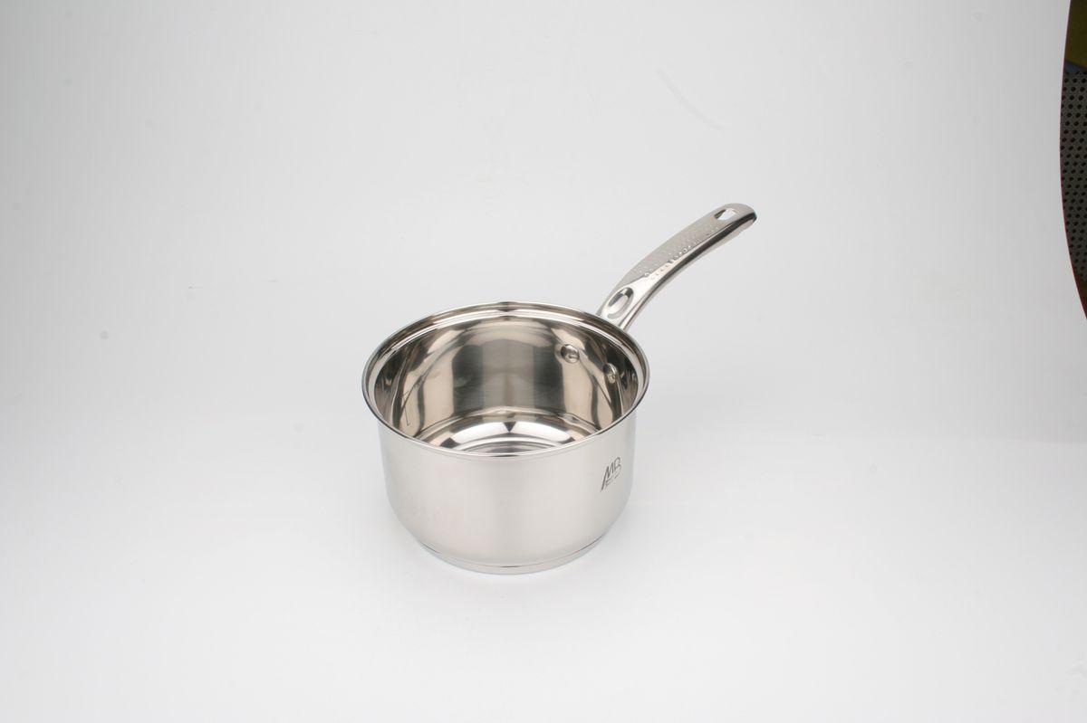 4560 Ковш нерж/сталь(1,7л)MB мет/руч (х16)4560Ковш с металлической ручкой, материал:высококачественная,нержавеющая сталь (CrNi 18/10), блестящая внешняя поверхность многослойное капсульное дно Размер:D16х10 см.(1,7л) Вес коробки:14,72 кг. Размер коробки:53х39,5х46 см.