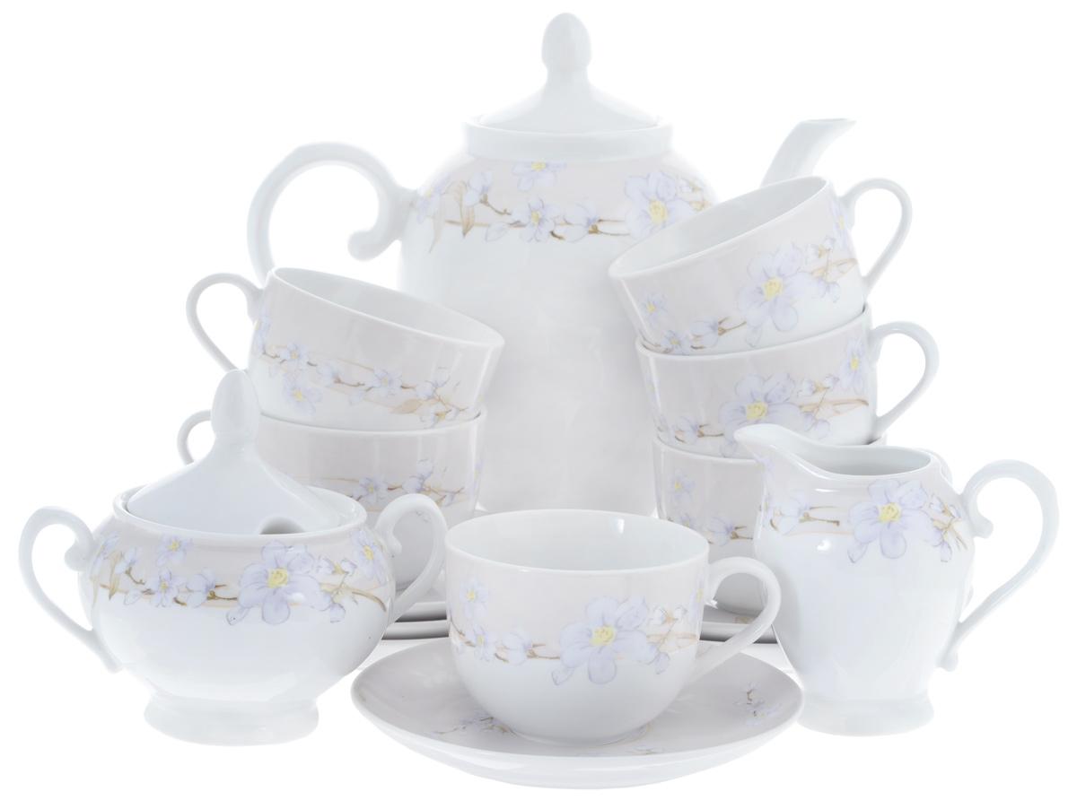 Сервиз чайный Bekker Koch, 15 предметов. BK-7146BK-7146Сервиз чайный Bekker Koch состоит из шести чашек, шести блюдец, заварочного чайника, молочника и сахарницы, изготовленных из фарфора. Предметы набора оформлены красочным изображением цветов. Изящный дизайн придется по вкусу и ценителям классики, и тем, кто предпочитает утонченность и изысканность. Он настроит на позитивный лад и подарит хорошее настроение с самого утра. Сервиз чайный - идеальный и необходимый подарок для вашего дома и для ваших друзей в праздники, юбилеи и торжества! Он также станет отличным подарком и украшением любой кухни. Объем чашек: 220 мл. Диаметр чашек (по верхнему краю): 8,5 см. Высота чашек: 6,5 см. Диаметр блюдец (по верхнему краю): 15,4 см. Высота блюдец: 2 см. Объем сахарницы: 280 мл. Высота сахарницы (с учетом крышки): 13 см. Диаметр сахарницы (по верхнему краю): 8 см. Объем чайника: 1,1 л. Высота чайника (с учетом крышки): 23 см. Диаметр чайника (по верхнему краю): 8...