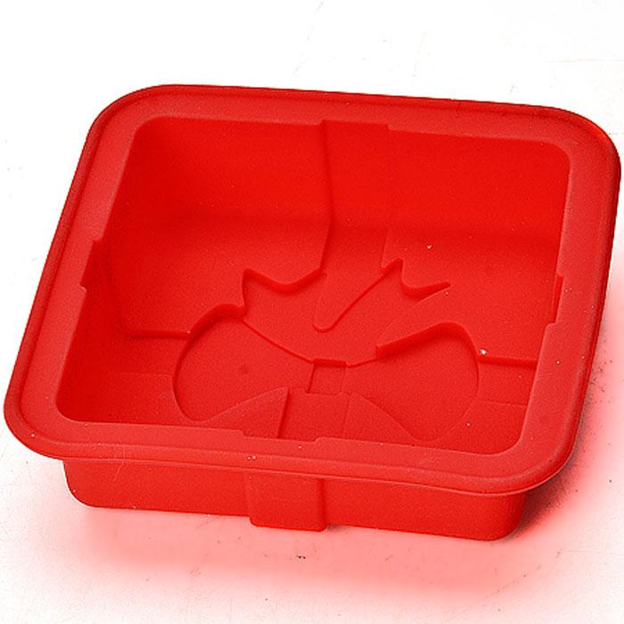 Форма силиконовая, цвет: красный, 12 см х 12 см х 3 см22078_красныйФорма для выпечки кексов Праздничная Материал: силикон Размер: 12х12х3 см Форма для выпечки Праздничная изготовлена из силикона. Силиконовые формы для выпечки имеют много преимуществ по сравнению с традиционными металлическими формами и противнями. Они идеально подходят для использования в микроволновых, газовых и электрических печах при температурах до +230°С. В случае заморозки до -40°С. За счет высокой теплопроводности силикона изделия выпекаются заметно быстрее. Благодаря гибкости и антиприлипающим свойствам силикона, готовое изделие легко извлекается из формы. Для этого достаточно отогнуть края и вывернуть форму (выпечке дайте немного остыть, а замороженный продукт лучше вынимать сразу). Силикон абсолютно безвреден для здоровья, не впитывает запахи, не оставляет пятен, легко моется. Форма для выпечки Праздничная - практичный и необходимый подарок любой хозяйке!