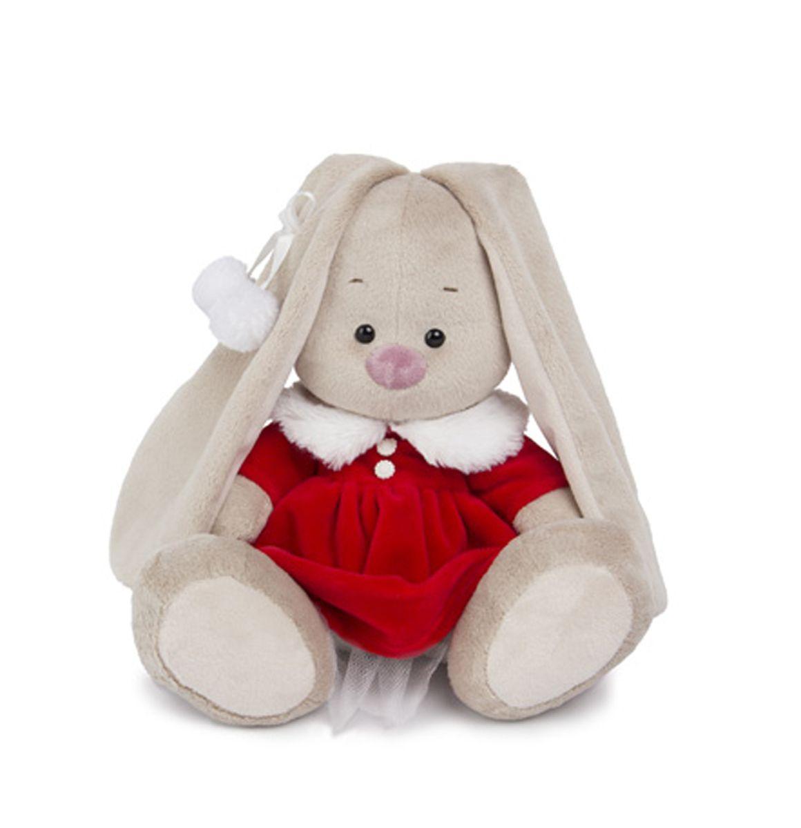 Мягкая игрушка Зайка Ми в алом платье 23 смSidM-110Новогодний образ представляет Зайка в бархатном алом платье с меховым белоснежным воротничком и двумя белыми пуговками. На ушке у Зайки белая атласная лента, завязанная в бант, с двумя меховыми помпошками.