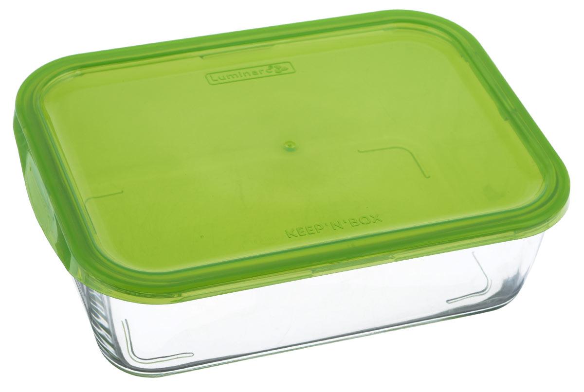 Контейнер Luminarc KeepnBox, цвет: прозрачный, зеленый, 1,16 лG8404Прямоугольный контейнер Luminarc KeepnBox изготовлен из жаропрочного закаленного стекла и предназначен для хранения любых пищевых продуктов. Благодаря особым технологиям изготовления, лотки в течение времени службы не меняют цвет и не пропитываются запахами. Пластиковая крышка герметично защелкивается специальным механизмом. Контейнер Luminarc KeepnBox удобен для ежедневного использования в быту. Можно мыть в посудомоечной машине и использовать в СВЧ. Размер контейнера (с учетом крышки): 20,5 см х 15 см х 7 см.