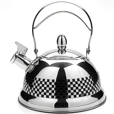 Чайник со свистком 3,1л Mayer&Boch арт. 40184018Чайник металлический со свистком (3,1 л) Материал: нержавеющая сталь, индукционное дно Размер упаковки: 23х15,5х23 см Объем: 3,1 л Вес: Чайники со свистком Mayer&Boch любят плиту,именно на ней они с особым усердием подогревают вам чай или кипятят воду. Металические чайники прочны,красивы и прослужат Вам много лет. Нержавеющая сталь не окисляется и не впитывает запахи, напитки всегда будут ароматны и меть настоящий вкус. Корпус с зеркальной поверхностью. Фиксированная ручка делает использование чайника очень удобным и безопасным. Носик снабжен свистком, что позволит вам контролировать процесс подогрева или кипячения воды. Капсулированное дно с прослойкой из алюминия обеспечивает наилучшее распределение тепла. Эстетичный и функциональный, с эксклюзивным дизайном, чайник будет оригинально смотреться в любом интерьере. Также изделие можно мыть в посудомоечной машине.