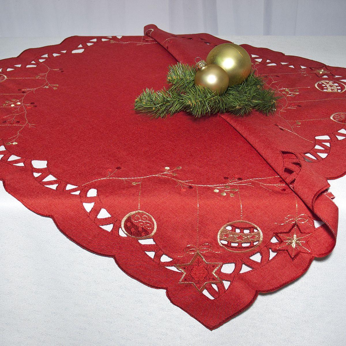 Скатерть Schaefer, квадратная, цвет: красный, 85 x 85 см 07393-10007393-100Квадратная скатерть Schaefer, выполненная из полиэстера, станет прекрасным украшением новогоднего стола. Изделие декорировано изысканной перфорацией по краю и вышивкой в виде елочных игрушек. За текстилем из полиэстера очень легко ухаживать: он легко стирается, не мнется, не садится и быстро сохнет, более долговечен, чем текстиль из натуральных волокон. Использование такой скатерти сделает застолье торжественным, поднимет настроение гостей и приятно удивит их вашим изысканным вкусом. Это текстильное изделие станет изысканным украшением вашего дома!