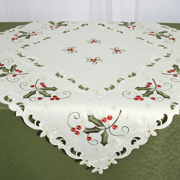 Скатерть Schaefer, квадратная, цвет: молочный, зеленый, красный, 85 x 85 см 07660-10007660-100Квадратная скатерть Schaefer, выполненная из полиэстера, станет украшением любого стола. Изделие декорировано красивой вышивкой. За полиэстером очень легко ухаживать: он легко стирается, не мнется, не садится и быстро сохнет. Использование такой скатерти сделает застолье торжественным, поднимет настроение гостей и приятно удивит их вашим изысканным вкусом.