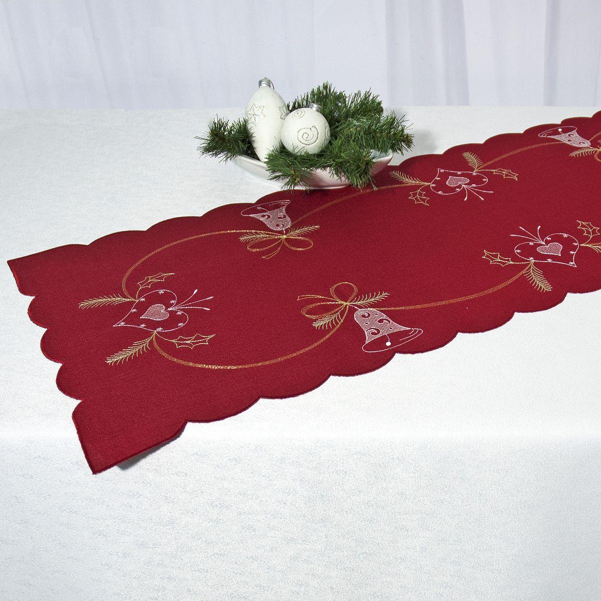 Дорожка для декорирования стола Schaefer, цвет: бордовый, 35 х 140 см 07666-23007666-230Дорожка Schaefer, выполненная из полиэстера, станет изысканным украшением интерьера в преддверии Нового года. Изделие декорировано красиво обработанным волнистым краем и вышивкой с новогодними мотивами. Такую дорожку можно использовать для украшения комодов, тумб и столов. За текстилем из полиэстера очень легко ухаживать: он легко стирается, не мнется, не садится и быстро сохнет, более долговечен, чем текстиль из натуральных волокон. Такая дорожка изящно дополнит интерьер вашего дома.
