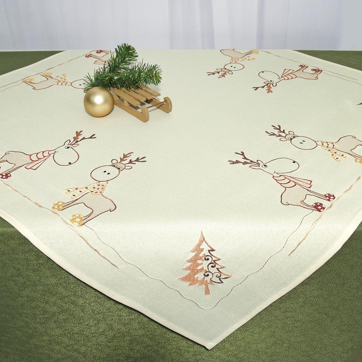 Скатерть Schaefer, квадратная, цвет: бежевый, 85 см x 85 см. 07672-100 - Schaefer07672-100Квадратная скатерть Schaefer, выполненная из полиэстера, станет украшением новогоднего стола. Изделие декорировано оригинальной вышивкой в виде оленей, елок и снежинок. За текстилем из полиэстера очень легко ухаживать: он легко стирается, не мнется, не садится и быстро сохнет, более долговечен, чем текстиль из натуральных волокон. Использование такой скатерти сделает застолье торжественным, поднимет настроение гостей и приятно удивит их вашим изысканным вкусом. Это текстильное изделие станет изысканным украшением вашего дома!