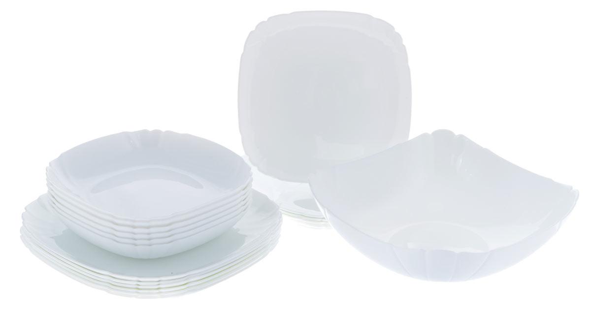 Набор столовой посуды Luminarc Lotusia, 19 предметовH1792Набор Luminarc Lotusia состоит из 6 суповых тарелок, 6 обеденных тарелок, 6 десертных тарелок и глубокого салатника. Изделия выполнены из ударопрочного стекла, имеют яркий дизайн с рельефным краям и изящную квадратную форму. Посуда отличается прочностью, гигиеничностью и долгим сроком службы, она устойчива к появлению царапин и резким перепадам температур. Такой набор прекрасно подойдет как для повседневного использования, так и для праздников или особенных случаев. Набор столовой посуды Luminarc Lotusia - это не только яркий и полезный подарок для родных и близких, а также великолепное дизайнерское решение для вашей кухни или столовой. Можно мыть в посудомоечной машине и использовать в микроволновой печи. Размер суповой тарелки: 20,5 см х 20,5 см. Высота суповой тарелки: 3,5 см. Размер обеденной тарелки: 25 см х 25 см. Высота обеденной тарелки: 1,8 см. Размер десертной тарелки: 20,5 см х 20,5 см. ...