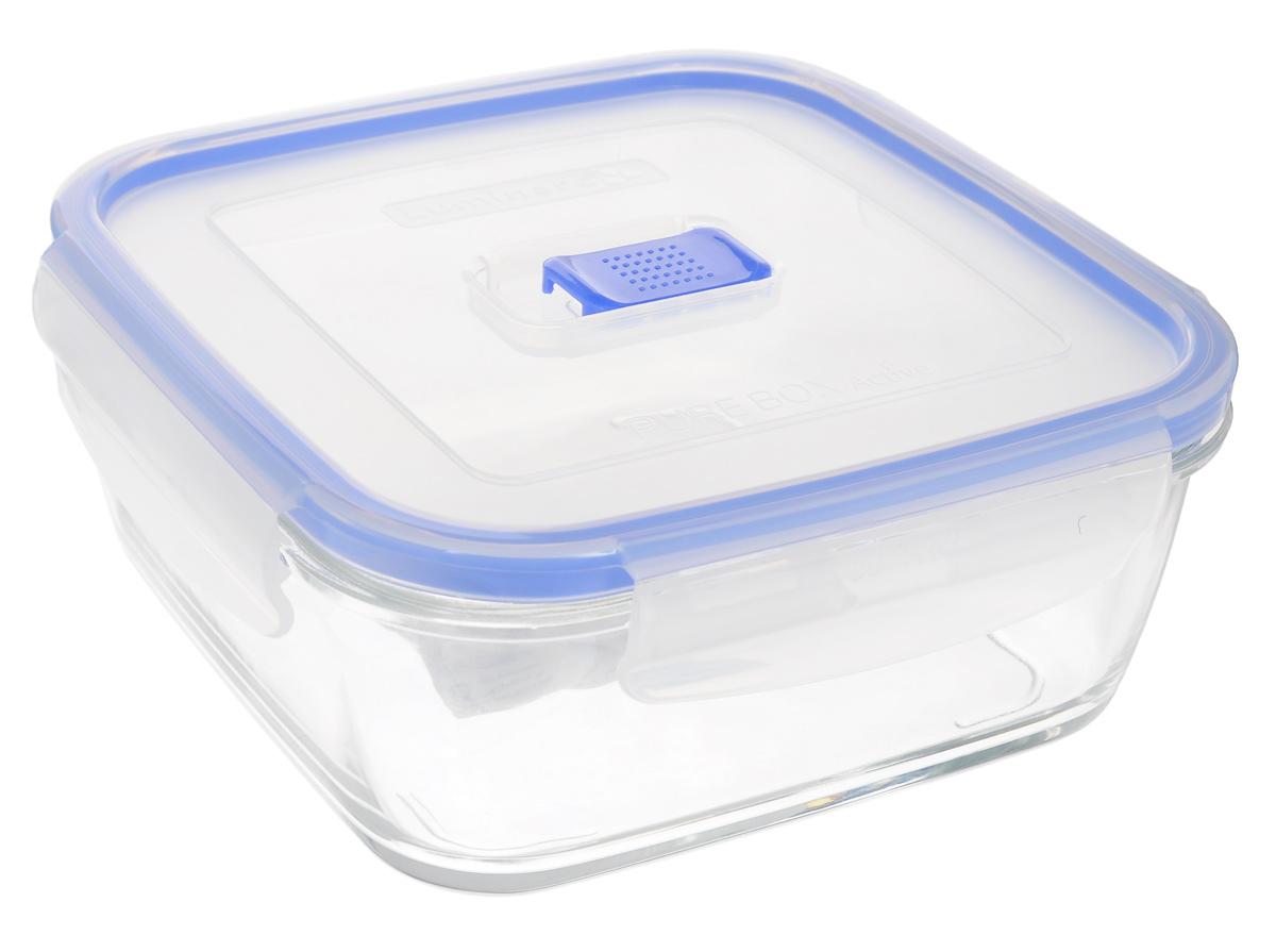 Контейнер Luminarc Pure Box Active, цвет: прозрачный, синий, 1,22 лJ5635Квадратный контейнер Luminarc Pure Box Active изготовлен из жаропрочного закаленного стекла и предназначен для хранения любых пищевых продуктов. Благодаря особым технологиям изготовления, лотки в течении времени службы не меняют цвет и не пропитываются запахами. Пластиковая крышка с силиконовой вставкой герметично защелкивается специальным механизмом. Контейнер Luminarc Pure Box Active удобен для ежедневного использования в быту. Можно мыть в посудомоечной машине и использовать в СВЧ. Размер контейнера (с учетом крышки): 18 см х 18 см х 7,5 см.