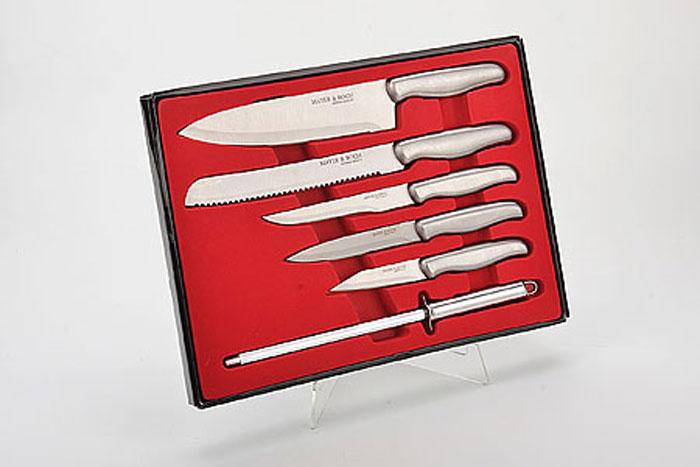 4133 Набор ножей с точилкой(6пр) MB в кор (х12)4133Набор ножей в подарочной упаковке 6 предметов (длина лезвия): - нож 20 см - нож 20 см (для нарезки хлеба) - нож 14 см - нож 13 см - нож 9 см - точилка Материал: нержавеющая сталь Размер упаковки:35,5х25,5х2,5 см Размер коробки:37х27,5х33,5* см. Вес: 750 г Набор включает в себя все необходимые виды ножей для ежедневного приготовления пищи. Такой набор предоставит вам все необходимые возможности в успешном приготовлении пищи и порадует вас своими результатами. Ножи сделаны из качественной стали и имеют хорошие режущие свойства, тщательно разработанный дизайн рукоятки и качество ее шлифовки позволяет ножу удобно располагаться в руке. Готовьте с удовольствием.