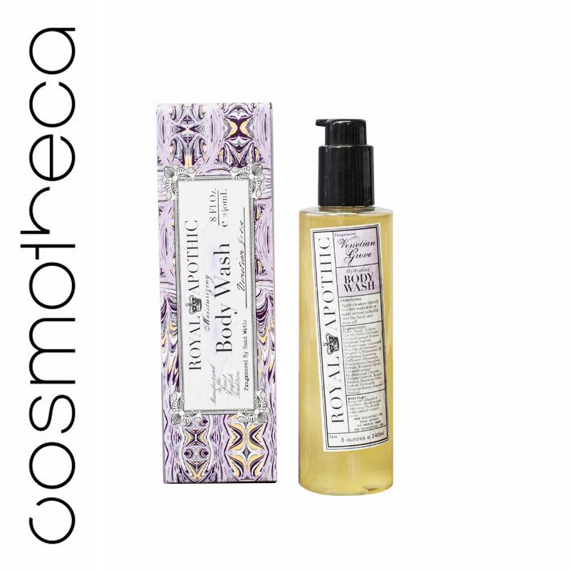 Royal Apothic Увлажняющий гель для душа Venetian Grove 240 млRABWVGСпециально разработан, чтобы дарить коже мягкость и увлажнение. Гель от Royal Apothic будет великолепным дополнением бодрящему душу. Мягко очищает кожу, образуя густую пену с богатым ароматом, легко смывается, делая кожу мягкой и нежной. Также может использоваться в качестве пены для ванной — просто вспеньте сильной струей воды. Позади итальянского дворца в Санторини располагается тенистая роща, где на протяжении веков отдыхали особы королевской семьи. Именно здесь, в этом волшебном месте, кусты сладкой смородины буквально укутывают апельсиновые деревья, а аромат их цветков смешивается со спелыми ягодами. Закройте глаза и вы увидите как в дрожащем мерцании свечей и звезд плавно движутся фигуры, чьи лица закрыты затейливыми масками.