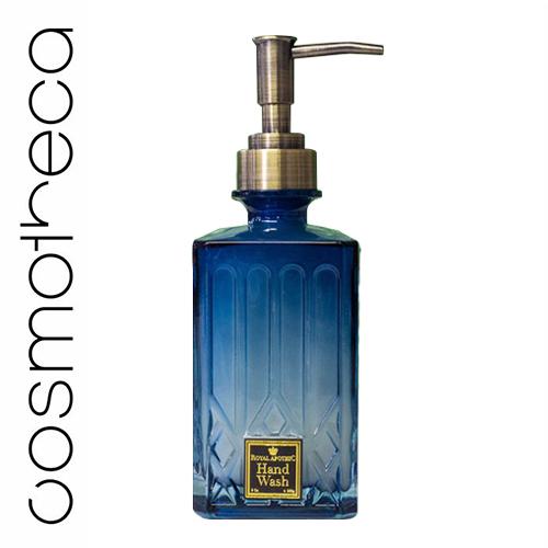 Royal Apothic Увлажняющее жидкое мыло для рук Dogwood Blossom 240 гRACONHWDWНаши очищающие средства для рук и лосьоны - абсолютные хиты, а их новая упаковка была специально разработана для того, чтобы стать идеальным дополнением к каждой ванной комнате. Очищающее средство для рук и лосьон с нежным ароматом увлажняют кожу, делая ее ультрамягкой. Как по отдельности, так и комплектом, такие средства будут великолепным подарком к любому торжеству. Основу композиции DOGWOOD BLOSSOM составляет цветок кизила, который красиво обыгран глубокими тонами амбры, сладкими медовыми оттенками и пикантным штрихом имбиря.