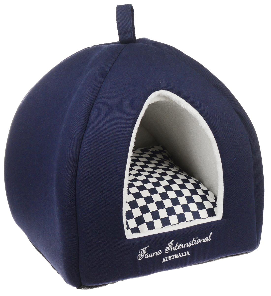 Домик для кошек и собак Fauna Jubilee blue, цвет: темно-синий, черный, белый, 35 см х 35 см х 40смFIDB-9051Домик для кошек и собак Jubilee blue обязательно понравится вашему питомцу. Предназначен для собак мелких пород и кошек. Он изготовлен из хлопковой ткани и отделан внутри мягким мехом. Ваш любимец сразу же захочет забраться внутрь, там он сможет отдохнуть и спрятаться. Компактные размеры позволят поместить домик, где угодно, а приятная цветовая гамма сделает его оригинальным дополнением к любому интерьеру. Внутренняя высота домика: 38 см. Высота подушки: 13 см. Толщина стенки: 2 см