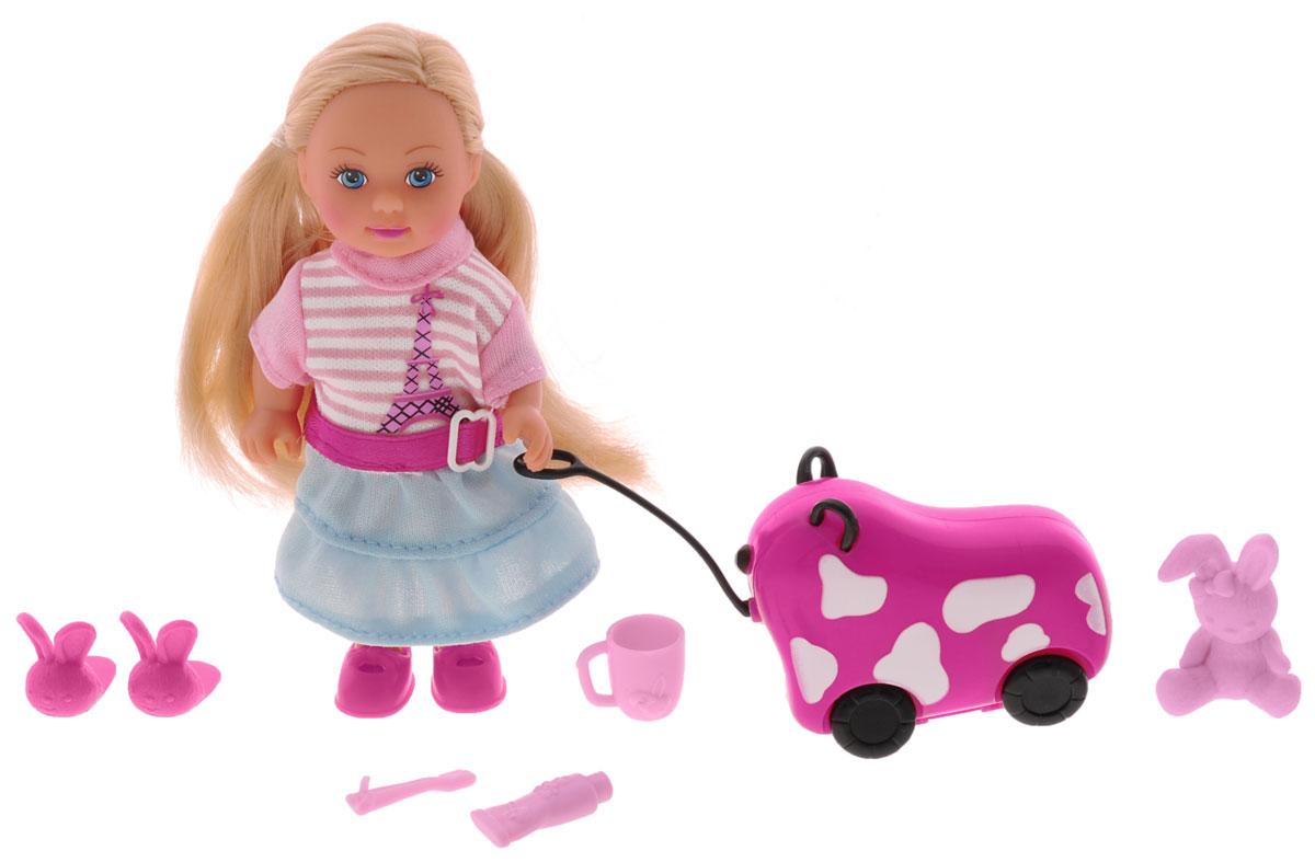 Simba Мини-кукла Еви с чемоданом на колесиках5730942_розовый, голубойКукла Simba Еви с чемоданчиком порадует любую девочку и надолго увлечет ее. В комплект также входят дополнительные аксессуары - чемодан на колесиках, игрушка-зайчик, чашка, зубная щетка, тюбик зубной пасты, тапочки. Эти необходимые предметы обязательно понадобятся Еви в путешествии. Чемоданчик розового цвета с белыми пятнами дополнен колесиками и веревочкой. Все аксессуары выполнены из прочного пластика. Малышка Еви одета в стильное розовое с голубым платье с аппликацией в виде Эйфелевой башни. На ногах у нее - яркие розовые босоножки. Вашей дочурке непременно понравится заплетать длинные белокурые волосы куклы, придумывая разнообразные прически. Руки, ноги и голова куклы подвижны, благодаря чему ей можно придавать разнообразные позы. Игры с куклой способствуют эмоциональному развитию, помогают формировать воображение и художественный вкус, а также разовьют в вашей малышке чувство ответственности и заботы. Великолепное качество исполнения делают эту куколку чудесным...