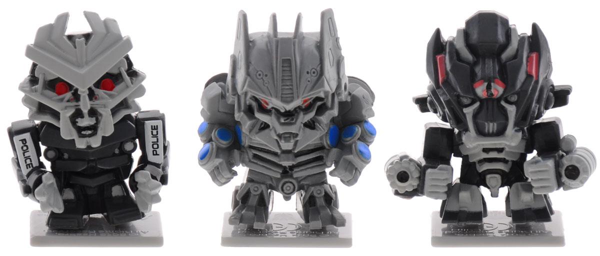 Transformers Набор коллекционных фигурок 3 шт цвет серый черныйTRF430_серый, черныйНабор коллекционных фигурок Transformers станет прекрасным подарком для поклонников фантастической саги! В наборе 3 фигурки. Каждая фигурка имеет свою оригинальную подставку для создания коллекции, а также карту с именем и характеристиками персонажа. Оборотная сторона представляет собой лентикулярный 3D пазл, являющейся частью картины, которую вы сможете собрать, имея полную коллекцию. Гид по коллекции, рассказывающий о героях серии, есть в каждом наборе. Такой набор станет для вашего ребенка интересной игрушкой, познавательной головоломкой, и самое главное, что коллекционирование способствует формированию эстетического вкуса ребенка, расширяет его кругозор, развивает любознательность.
