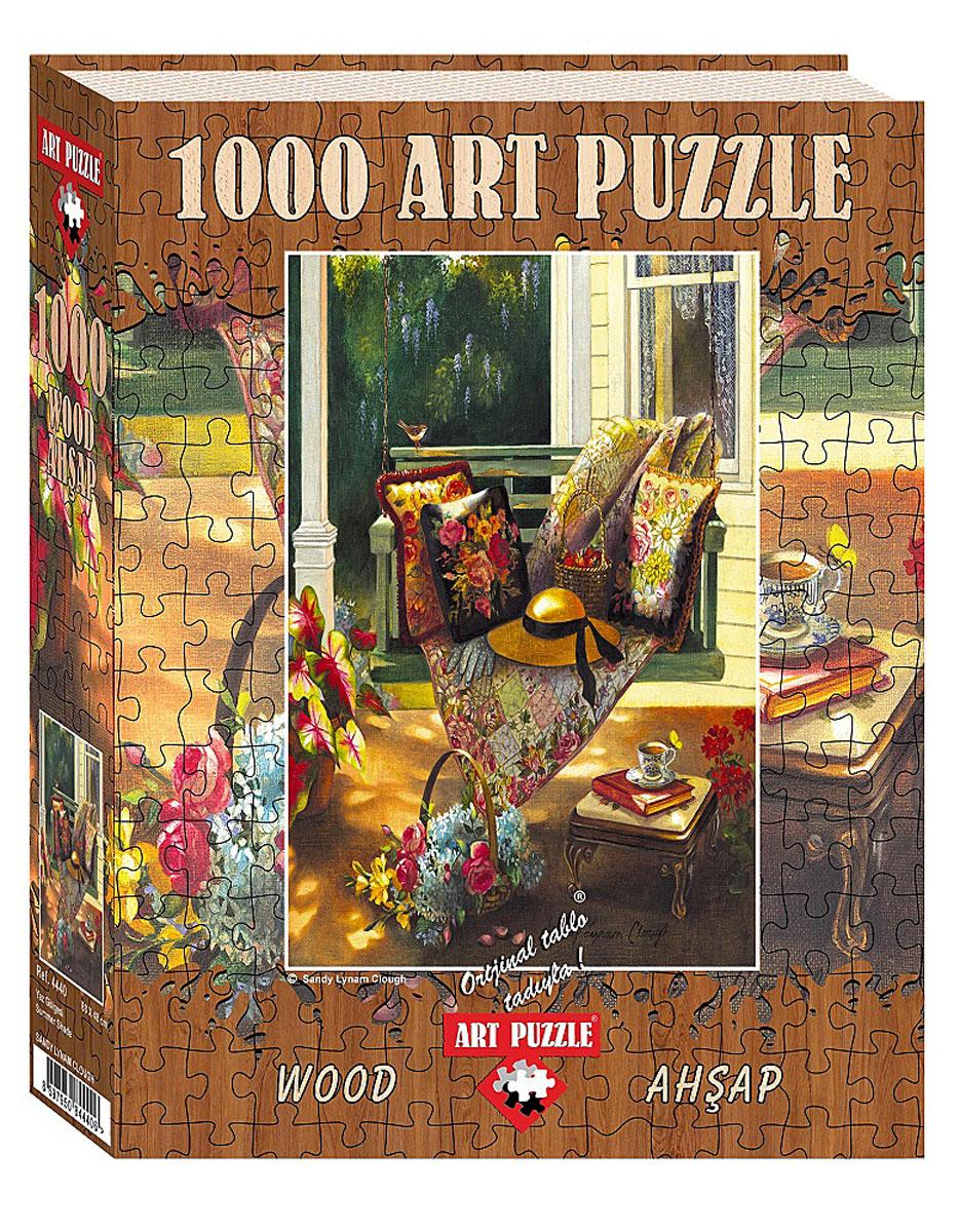 Art Puzzle Пазл Летняя тень4440Пазл Летняя тень, без сомнения, придется вам по душе и станет отличным развлечением для всей семьи. Собрав этот пазл, включающий в себя 1000 элементов, вы получите великолепную картину с летней верандой, качелями и цветами. Насыщенное и реалистичное изображение радует глаз, а процесс сборки становится приятным наслаждением, ведь деревянные детали пазла аккуратны, а их сцепка прочна. Собирать пазл можно в компании друзей, в кругу семьи или в одиночестве, погрузившись в приятные воспоминания. Собранный пазл, вставленный в рамку, станет украшением любого интерьера и произведет неизгладимое впечатление на гостей и домочадцев. Этот пазл станет лучшим подарком как для юного художника, так и для взрослого ценителя искусства.