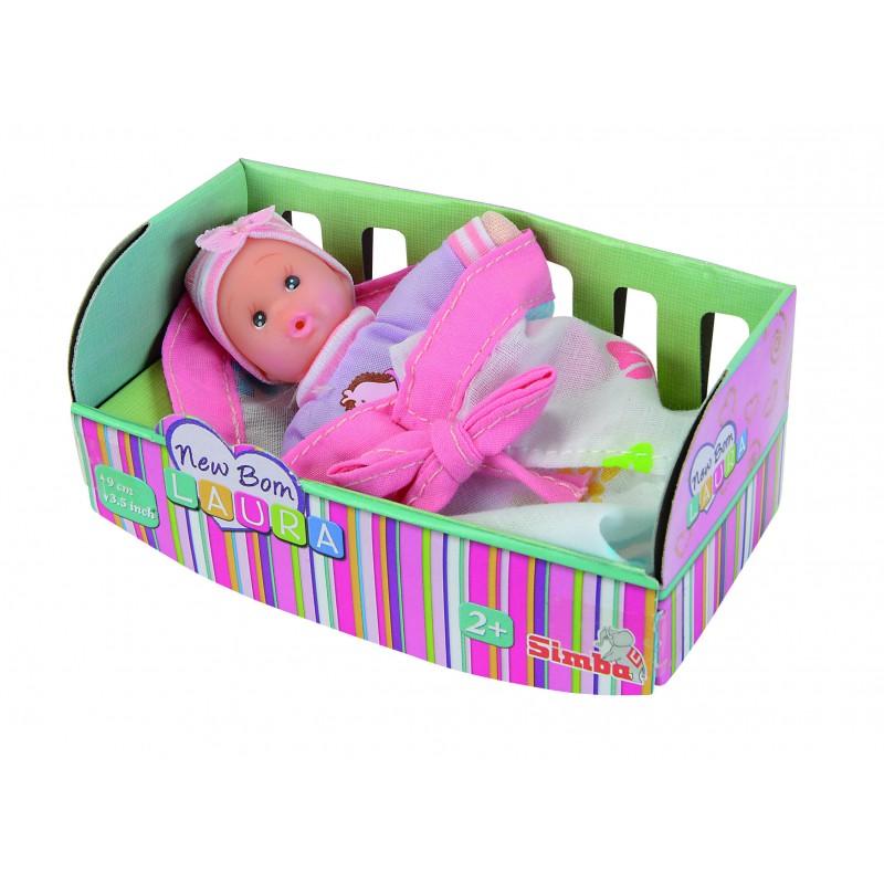 Simba Пупс New Born Laura цвет светло-розовый5016668_светло-розовыйПупс Simba New Born Laura непременно приведет в восторг вашу дочурку. Голова пупса выполнена из прочного пластика, а тело - мягконабивное. Очаровательный малыш одет в фиолетовый комбинезон с изображением лошадки, на голове у него - шапочка в полоску. В комплект входит конверт для малыша светло-розового цвета на завязках. Игры с куклами способствуют эмоциональному развитию, помогают формировать воображение и художественный вкус, а также разовьют у вашей малышки чувство ответственности и заботы. Великолепное качество исполнения делают эту куколку чудесным подарком к любому празднику.