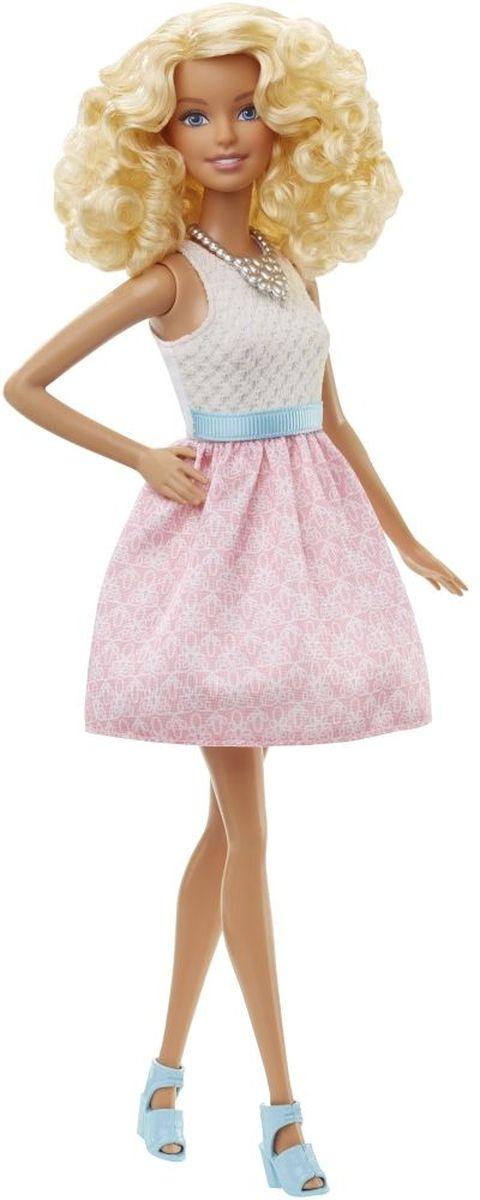Barbie Кукла Fashionistas цвет платья розовый белыйDGY54_DGY57Очаровательная куколка Barbie Fashionistas порадует вашу малышку и доставит ей много удовольствия от часов, посвященных игре с ней. Кукла с кудрявыми светлыми волосами, одета в стильное пышное платье, на ногах куколки - оригинальные голубые босоножки на каблуках. Куклы Barbie Fashionistas - это множество образов и море удовольствия! Стань модельером и подбирай новые дизайнерские решения! У кукол разный цвет волос, глаз и кожи, разные прически, разная форма лица. Им подходит любой стиль: спортивные маечки и современная высокая мода, популярные платья в горошек и блузки с принтами, богемный шик и рокерские наряды, босоножки на каблуках, балетки, кроссовки, милые ботиночки. Барби любят украшения: бусы, очки, сережки. Они могут носить челки и проборы, кудряшки и прямые волнистые волосы, быть брюнетками, блондинками и рыжими, краситься в абсолютно черный и в современный пурпурный. Собери их всех!