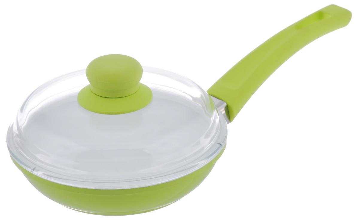 Сковорода BartonSteel с крышкой, с керамическим покрытием, цвет: зеленый. Диаметр 18 см7018BS/NEWСковорода BartonSteel изготовлена из высококачественного алюминия. Внутреннее керамическое покрытие абсолютно безопасно для здоровья человека и окружающей среды. Кроме того, с таким покрытием пища не пригорает и не прилипает к стенкам. Готовить можно с минимальным количеством подсолнечного масла. Сковорода быстро разогревается, распределяя тепло по всей поверхности, что позволяет готовить в энергосберегающем режиме, значительно сокращая время, проведенное у плиты. Сковорода оснащена удобной ручкой, выполненной из бакелита с силиконовым покрытием. Такая ручка не нагревается в процессе готовки и обеспечивает надежный хват. Крышка изготовлена из жаропрочного стекла. Благодаря такой крышке можно следить за приготовлением пищи без потери тепла. Подходит для всех типов плит, включая индукционные. Можно мыть в посудомоечной машине. Диаметр сковороды: 18 см. Высота стенки: 4,5 см. Толщина стенки: 4 мм. ...