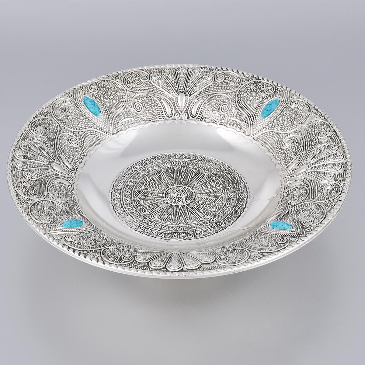 Ваза универсальная Marquis, диаметр 25,5 см. 7094-MR7094-MRУниверсальная ваза Marquis выполнена из стали с никель-серебряным покрытием и оформлена изящным рельефом и камнями. Ваза прекрасно подойдет для красивой сервировки конфет, фруктов, пирожных и много другого. Такая ваза придется по вкусу и ценителям классики, и тем, кто предпочитает утонченность и изысканность. Она украсит сервировку вашего стола и подчеркнет прекрасный вкус хозяина, а также станет отличным подарком. Диаметр (по верхнему краю): 25,5 см. Диаметр дна: 10 см. Высота вазы: 6,5 см.