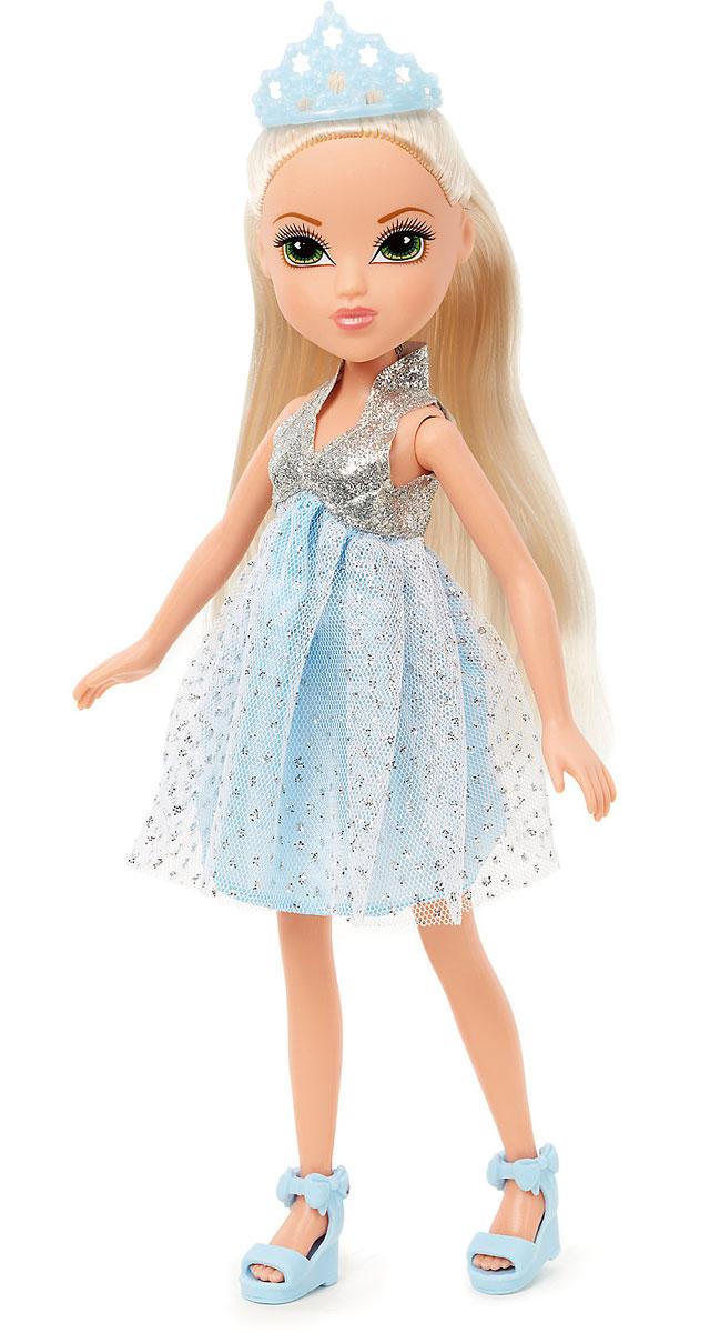 Moxie Кукла Принцесса540137Мокси - веселые подружки-подростки. Они яркие, модные, любознательные и дружные. Подружки не всегда следуют моде, они ее творят! У каждой из кукол свой собственный, неповторимый стиль, все они очень современны - от японского аниме до американского граффити. Серия Princess погружает нас в сказочный мир добра и волшебства. Куколка из этой серии одета в короткое голубое пышное платье с блесками и серебряным лифом. На голове у Мокси - голубая корона, а на ногах - голубые босоножки на танкетке. Куклы MOXIE покоряют девочек своей красотой! Они представляют собой современных подростков, которые учатся в школе, отдыхают в кафе и клубах, ходят на дискотеки, катаются на роликах, ведут дневники, следят за модой и своей фигурой, внешностью. В общем, образ жизни такой же, как у любой современной девочки. Кукла из коллекции MOXIE станет настоящей подружкой для своей юной обладательницы!