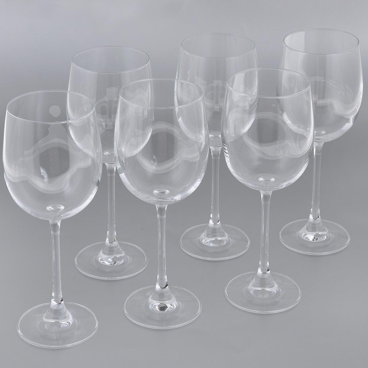 Набор бокалов для белого вина Esprado Fiesta, 360 мл, 6 штFS50C36E351Набор Esprado Fiesta состоит из шести бокалов для белого вина. Бокалы изготовлены из хрустального стекла или хрусталина, которое является более экологичной альтернативой знаменитому хрусталю, содержащему опасный для здоровья свинец. Хрустальное стекло имеет яркий блеск хрусталя, отличается высокой прозрачностью и тонкостью и при этом оно абсолютно безопасно и не содержит никаких вредных для человека веществ. Бокалы отличаются особой легкостью и прочностью, излучают приятный блеск и издают мелодичный хрустальный звон. Края бокалов имеют закаленный обод. Тонкие высокие ножки бокалов, создающие ощущение хрупкости и изящества, большой литраж и европейский дизайн позволят сполна насладиться игрой напитка в бокале, его густотой, цветом и ароматом. Бокалы можно мыть в посудомоечной машине в щадящем режиме. Fiesta в переводе c испанского означает веселье, праздник. Раньше в средневековой Европе в фиесте, народном гулянии, участвовали все жители общины или городского...