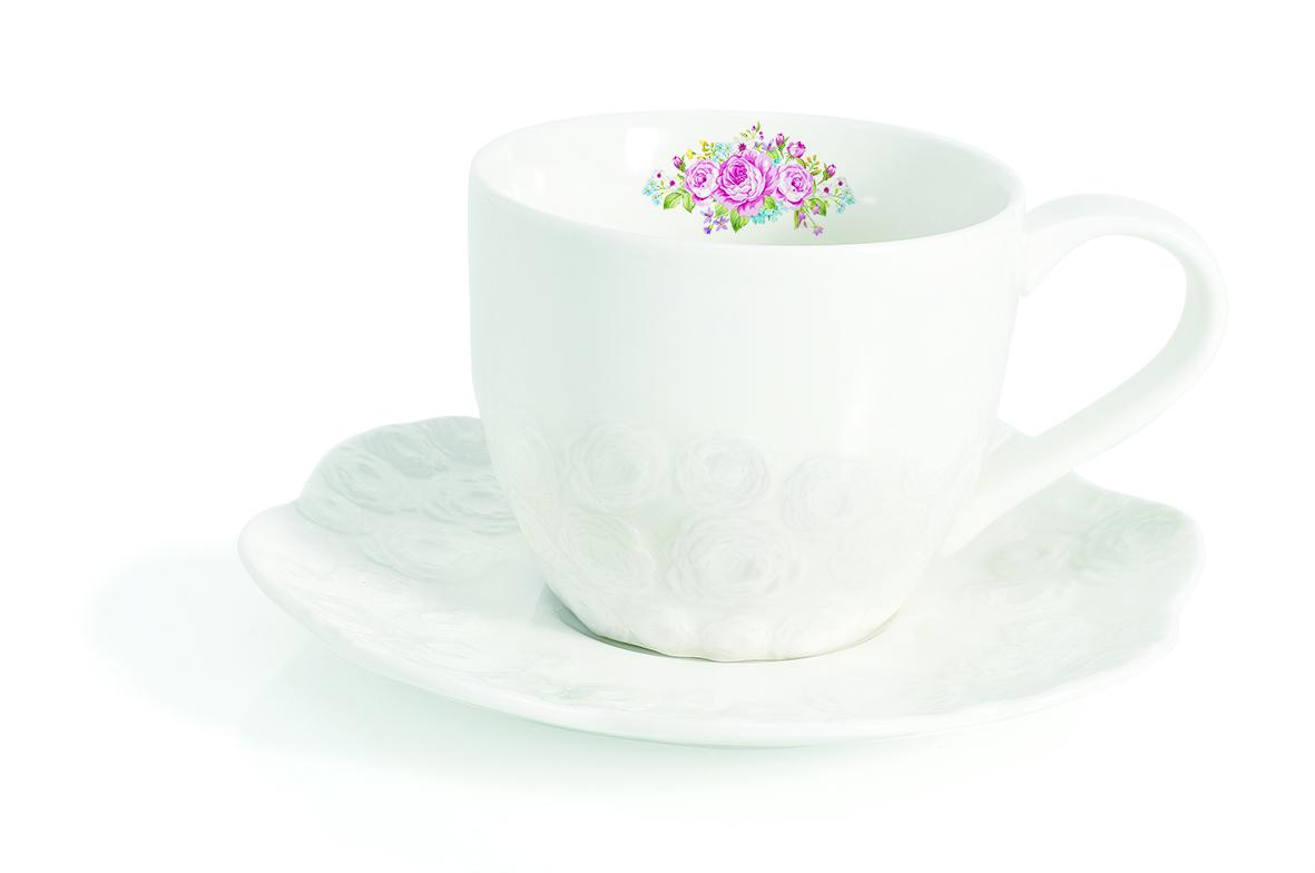 Чашка с блюдцем Easy Life Сад роз, 225 мл1255DEROЧашка с блюдцем Easy Life Сад роз изготовлены из высококачественного фарфора, декорированы изображением роз и изящным рельефом. Изображение на чашке нанесено с внутренней стороны. Чашка с блюдцем прекрасно подойдут для вашей кухни и великолепно украсят стол. Изящный дизайн и красочность оформления кружки и блюдца придутся по вкусу и ценителям классики, и тем, кто предпочитает утонченность и изысканность. Объем кружки: 225 мл. Диаметр кружки (по верхнему краю): 9,5 см. Высота кружки: 7,5 см. Диаметр блюдца (по верхнему краю): 15,5 см.