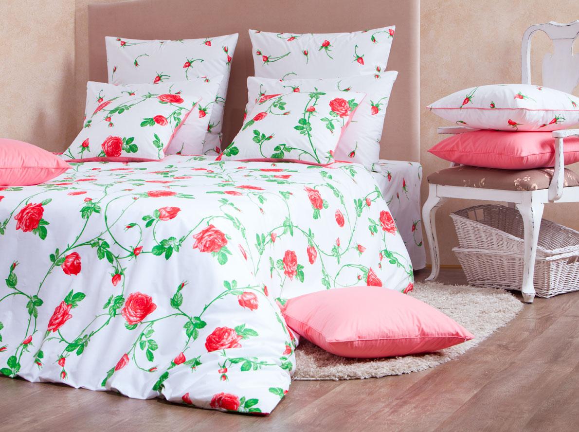 Комплект белья Mirarossi Vittoria, 1,5-спальный, наволочки 70х70, цвет: белый, розовый, зеленый15п-1MRРоскошный комплект постельного белья Mirarossi Vittoria выполнен из ткани Перкаль, натурального 100% хлопка. Ткань приятная на ощупь, при этом она прочная, хорошо сохраняет форму и не образует катышков на поверхности. Инновационная технология обработки ткани Easy Care позволяет белью дольше оставаться свежим. Органические активные вещества Easy Care на основе натуральных компонентов, эффективно препятствуют сминаемости и деформации ткани, что позволяет вам практически не тратить время на глажку постельного белья. Комплект состоит из пододеяльника, простыни и двух наволочек. Изделия оформлены цветочным принтом. Благодаря такому комплекту постельного белья вы создадите неповторимую атмосферу в вашей спальне.
