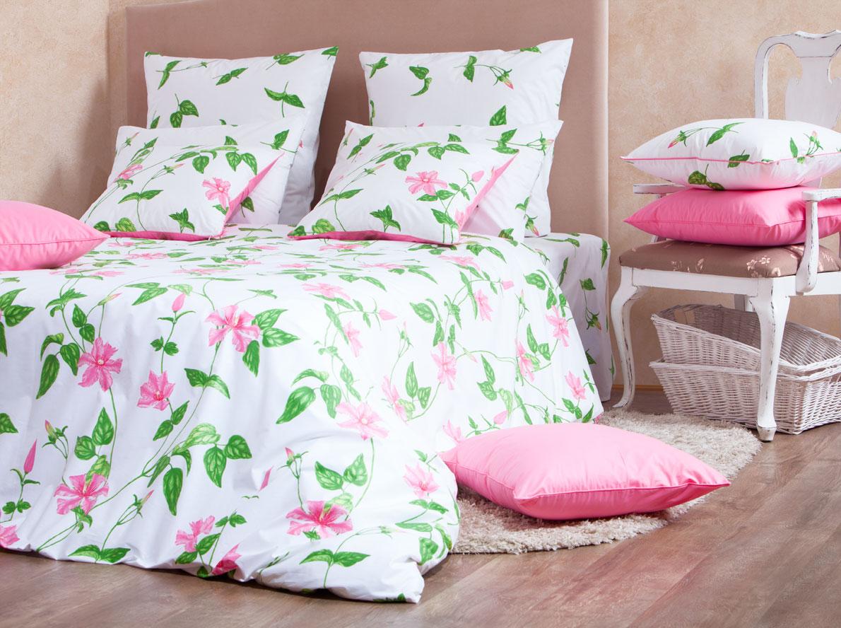Комплект белья Mirarossi Veronica, 2-спальный, наволочки 50х70, цвет: белый, розовый, зеленый20п-2MRРоскошный комплект постельного белья Mirarossi Veronica выполнен из ткани перкаль, натурального 100% хлопка. Ткань приятная на ощупь, при этом она прочная, хорошо сохраняет форму и не образует катышков на поверхности. Инновационная технология обработки ткани Easy Care позволяет белью дольше оставаться свежим. Органические активные вещества Easy Care на основе натуральных компонентов, эффективно препятствуют сминаемости и деформации ткани, что позволяет вам практически не тратить время на глажку постельного белья. Комплект состоит из пододеяльника, простыни и двух наволочек. Изделия оформлены цветочным принтом. Благодаря такому комплекту постельного белья вы создадите неповторимую атмосферу в вашей спальне. Плотность ткани: 135 гр/м2.