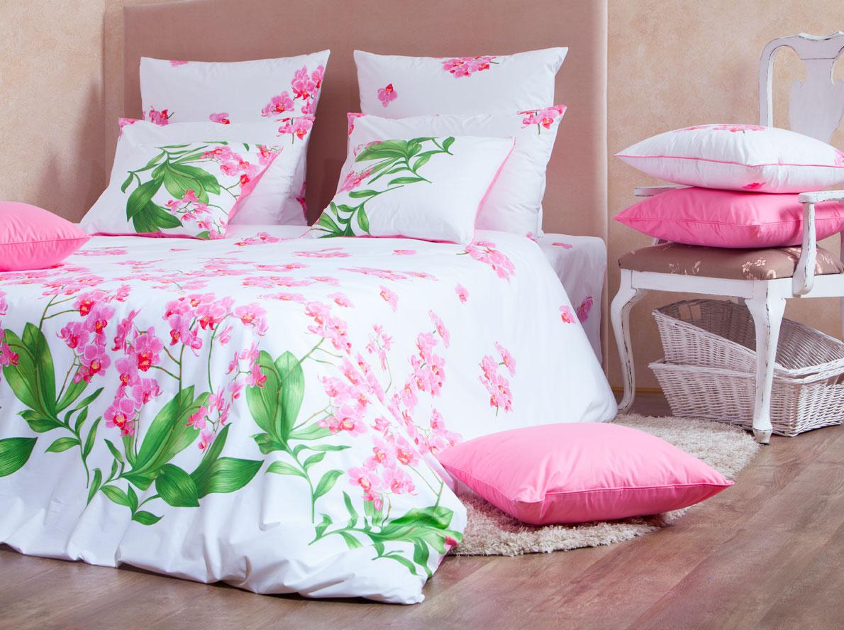 Комплект белья Mirarossi Beatrice, 2-спальный, наволочки 50х70, цвет: белый, розовый20п-2MRРоскошный комплект постельного белья Mirarossi Beatrice изготовлен из перкаля (100% хлопка). Ткань приятная на ощупь, при этом она прочная, хорошо сохраняет форму и легко гладится. Комплект состоит из простыни, пододеяльника и двух наволочек. Перкаль не дает проходить перьям и пуху, что является хорошим свойством для пошива комплектов постельного белья, а из-за своей толщины и износостойкости из этого материала шьются парашюты и паруса. Теплое и нежное постельное белье Mirarossi Beatrice создаст неповторимую атмосферу в вашей спальне. Плотность ткани: 135 г/м2.