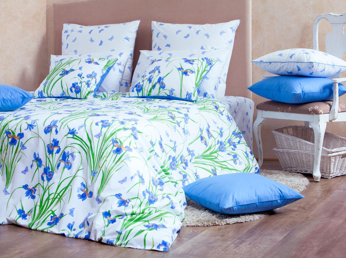 Комплект белья Mirarossi Aurora, 1,5-спальный, наволочки 50х70, цвет: белый, сиреневый, зеленый15п-2MRРоскошный комплект постельного белья Mirarossi Aurora выполнен из ткани перкаль, натурального 100% хлопка. Ткань приятная на ощупь, при этом она прочная, хорошо сохраняет форму и не образует катышков на поверхности. Инновационная технология обработки ткани Easy Care позволяет белью дольше оставаться свежим. Органические активные вещества Easy Care на основе натуральных компонентов, эффективно препятствуют сминаемости и деформации ткани, что позволяет вам практически не тратить время на глажку постельного белья. Комплект состоит из пододеяльника, простыни и двух наволочек. Изделия оформлены цветочным принтом. Благодаря такому комплекту постельного белья вы создадите неповторимую атмосферу в вашей спальне. Плотность ткани: 135 гр/м2.