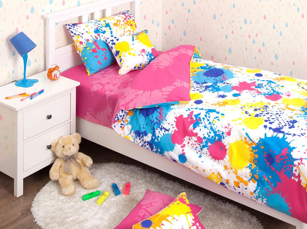 Хлопковый Край Комплект детского постельного белья Happy Pink 1,5-спальный наволочка 70 см х 70 см140р-70ХК-дКомплект детского постельного белья Хлопковый Край Happy Pink, состоящий из наволочки, простыни и пододеяльника, выполнен из ранфорса. Комплект постельного белья украшен узором в виде разноцветных пятен и брызг. Ранфорс - очень плотная ткань, получаемая в результате полотняного переплетения кручёных нитей хлопка. Несмотря на повышенную плотность, этот материал отличается необыкновенной мягкостью и шелковистой фактурой. Высокая плотность материала обеспечивает его долговечность и способность выдерживать многочисленные стирки на протяжении многих лет. Бельё при этом продолжает оставаться всё таким же ярким и привлекательным, поскольку ранфорс не линяет, не скатывается и не садится. Такой комплект идеально подойдет для кроватки вашего малыша. На нем ребенок будет спать здоровым и крепким сном.
