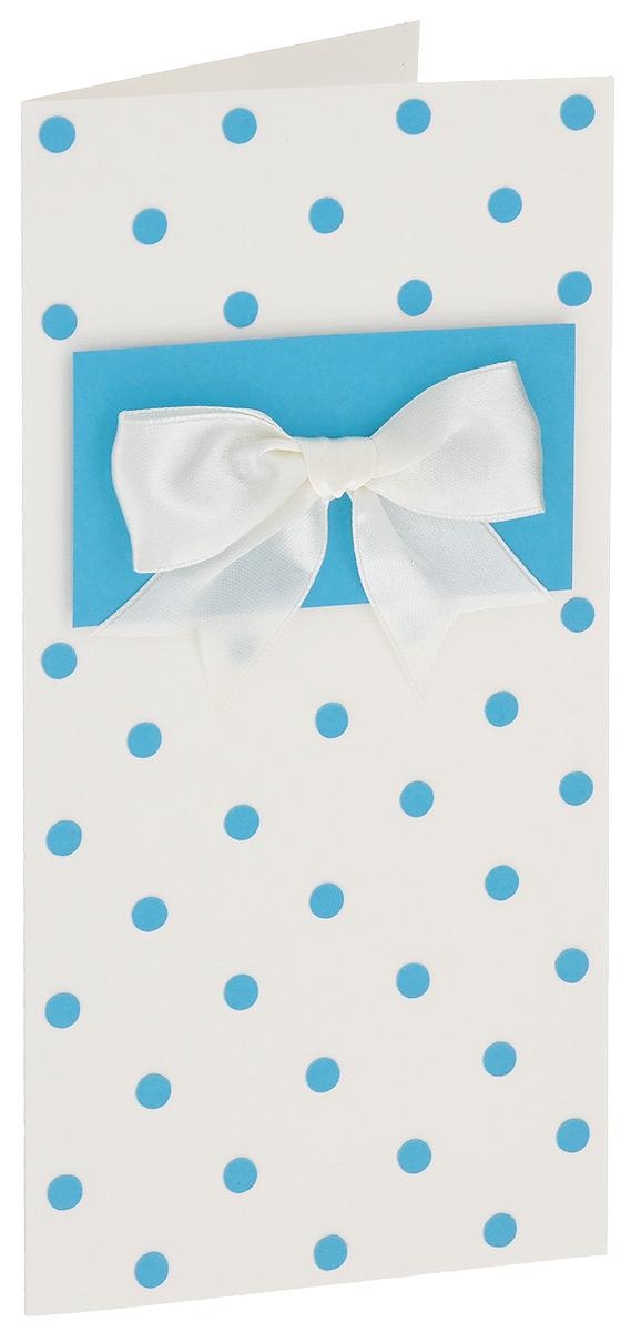 Открытка ручной работы Синий горох, с конвертом. Автор Татьяна Саранчукова. B-001B-001Открытка ручной работы Синий горох станет оригинальным дополнением вашего подарка. Открытка изготовлена из дизайнерской плотной бумаги. Лицевая сторона оформлена накладкой с бантом из атласной ленты и принтом в виде синего гороха. Внутри открытка не содержит текста, что позволит вам самостоятельного его придумать. Также имеется вкладыш для написания поздравления. Открытка непременно порадует получателя и станет отличным напоминанием о проведенном вместе времени. В комплект входит белый конверт. Открытка упакована в пакет для сохранности. Размер открытки: 10 см х 20 см. Размер конверта: 11 см х 22 см.