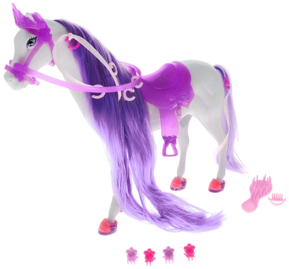 Simba Транспорт для кукол Лошадь для Штеффи цвет сиреневый4661840_сиреневыйИгровой набор Simba Лошадь для Штеффи надолго займет внимание вашей малышки и подарит ей множество счастливых мгновений. У лошадки есть длинный хвост и шикарная грива из шелковистых волокон яркого цвета. Грива и хвост очень длинные, их можно расчесывать и заплетать косички. Глазки - нарисованные, очень добрые и выразительные. В комплекте с лошадью имеются 4 подковы-ботинка, седло, расческа, щетка и 8 заколок. Благодаря играм с куклой, ваша малышка сможет развить фантазию и любознательность, овладеть навыками общения и научиться ответственности, а дополнительные аксессуары сделают игру еще увлекательнее. Лошадка позволит увеличить количество игровых ситуаций с куклой Штеффи. Порадуйте свою принцессу таким прекрасным подарком!