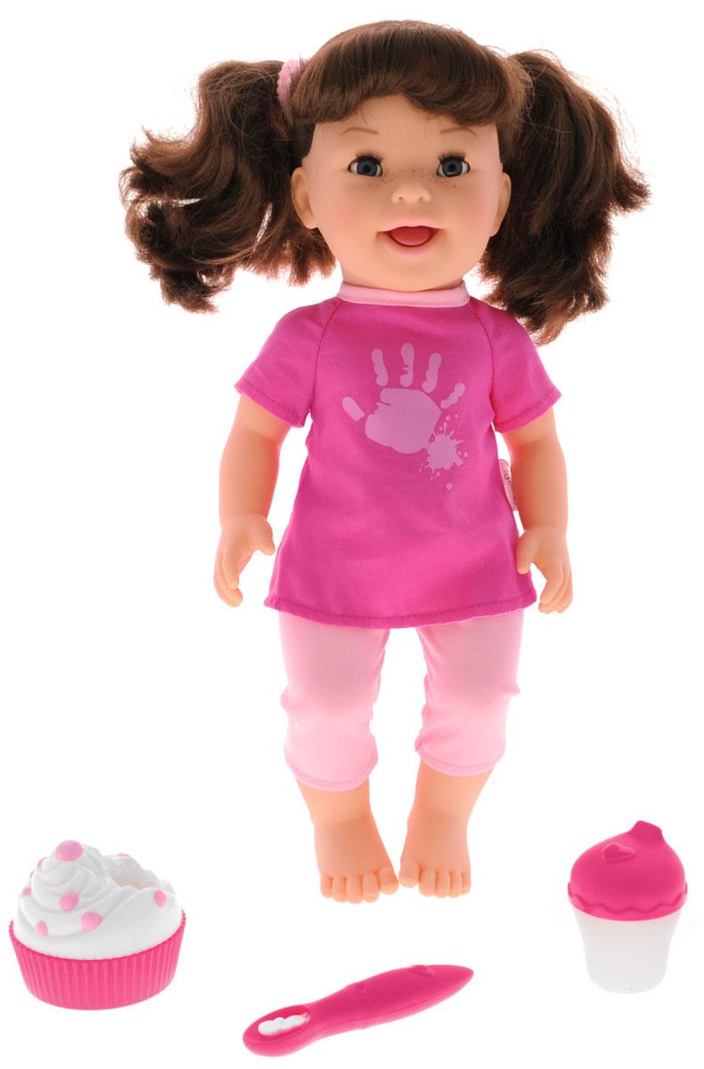 Smoby Кукла Хулиганка Лили160163Хулиганка Лили от компании Smoby - очень красивая и забавная куколка ростом 37 см. Игрушка превосходно развивает воображение и координацию движений ребенка, поможет весело провести время и станет прекрасным развлечением для всей семьи. Голова, ручки и ножки Роксаны подвижные, что позволяет придавать кукле разнообразные позы. Кукла одета в розовую кофточку и светлые штанишки. На голове у Лили два забавных хвостика на резиночках. Куклу не просто так назвали Хулиганкой она покажет вам язык, если нажмете ей на животик. И весело рассмеется. А еще она очень боится щекотки, и просто заливается смехом. В набор входит ложка для кормления, пирожное и питьевая бутылочка. Если поднести ложечку ко рту куклы, будет имитация кормления. Благодаря играм с куклами, ваша малышка сможет развить фантазию и любознательность, овладеть навыками общения и научиться ответственности, а дополнительные аксессуары сделают игру еще увлекательнее. Порадуйте свою принцессу таким прекрасным...