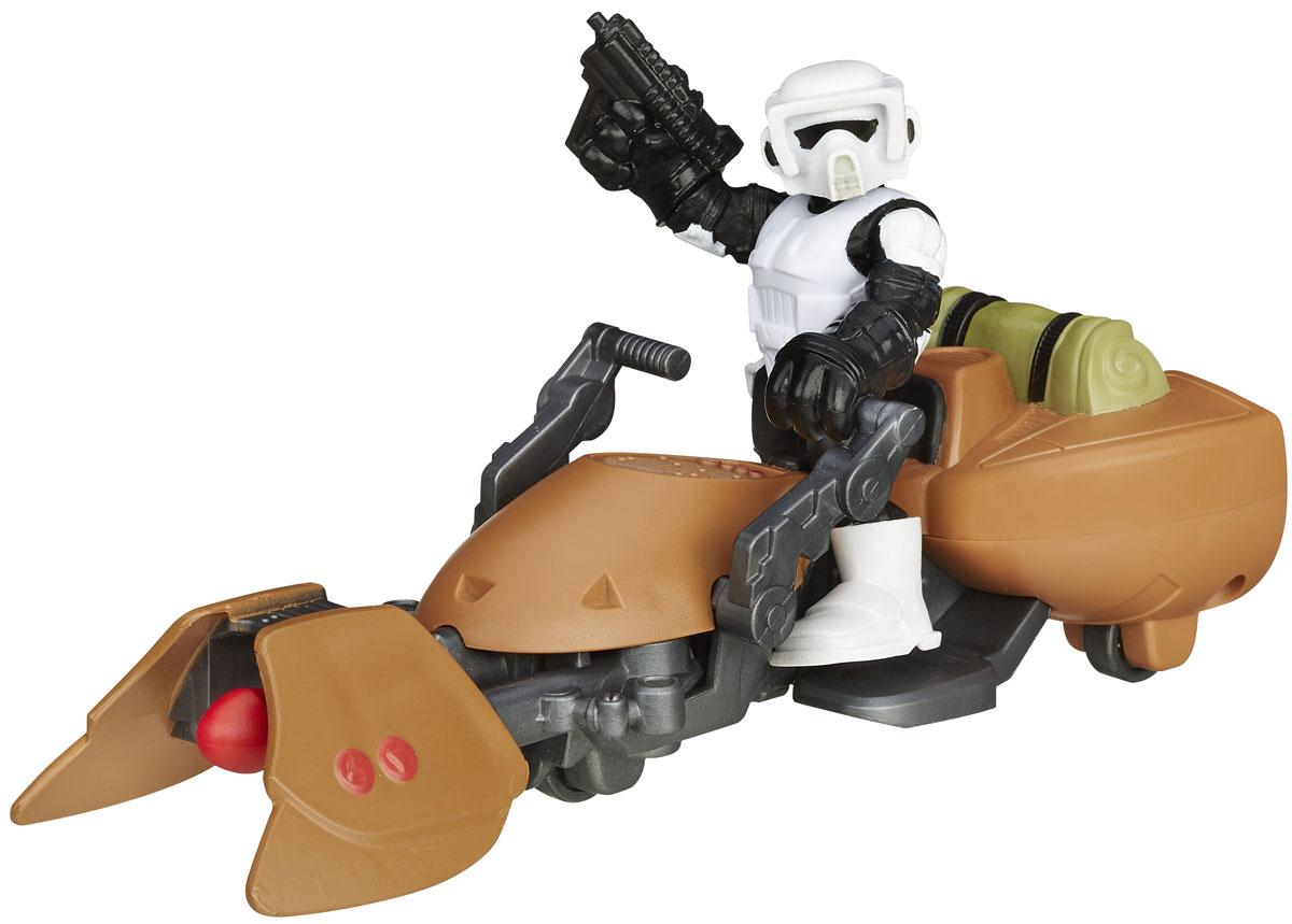 Playskool Игровой набор Scout Trooper & Speeder BikeB2035_B2033Playskool Игровой набор Scout Trooper непременно привлечет внимание вашего ребенка и не позволит ему скучать. Набор включает в себя фигурку галактического героя и его транспорт. Игрушки выполнены из прочного безопасного пластика. Транспорт оснащен специальной кнопкой, при нажатии на которую, вылетает копье. Голова, руки и ноги фигурки подвижны, что позволяет придавать ей различные позы и открывает малышу неограниченный простор для игр. Такой набор обязательно понравится вашему ребенку, и он проведет множество счастливых мгновений, играя с ним и придумывая различные истории. Рекомендуемый возраст: от 3 до 7 лет.