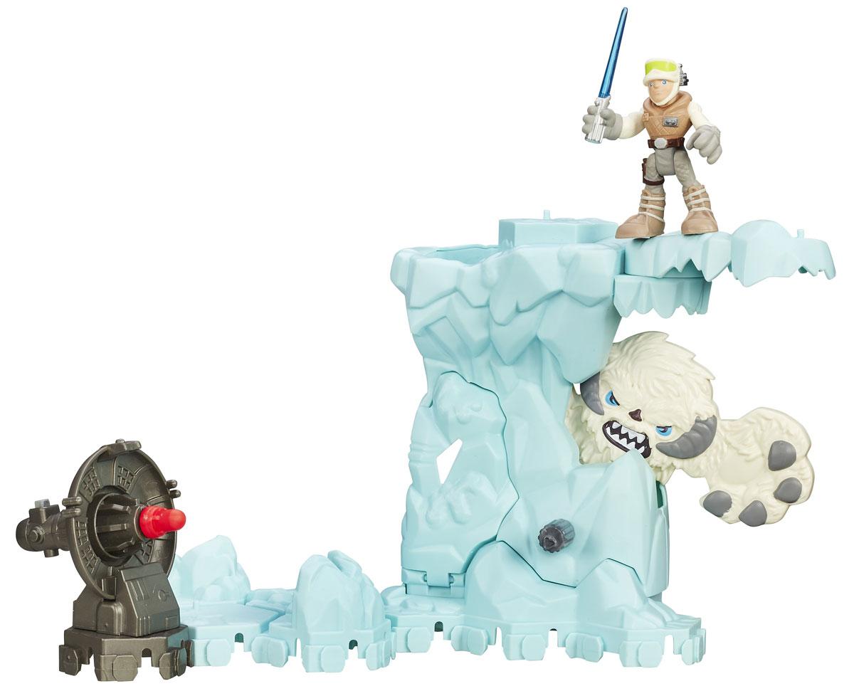 Playskool Heroes Игровой набор Приключение на льдинеB2031_B2030_льдинаИгровой набор Приключение на льдине из серии Звездные войны, несомненно, порадует каждого ребенка! Набор состоит из фигурки Люка Скайуокера, метательного орудия и большой льдины с чудовищем. На льдине есть специальный рычаг, повернув который, выскакивает страшное чудовище. Верхняя часть льдины подвижна, а Люк может висеть на ней вниз головой, сражаясь с чудовищем. С игровым набором можно воссоздать различные сцены из фильма Звездные войны, поклонниками которого являются миллионы мальчишек по всему миру. Игрушка выполнена из качественного пластика, безопасного для здоровья вашего ребенка. Удивите своего мальчика новой, яркой и функциональной игрушкой.